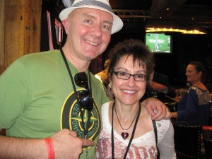Mitzi Szereto hanging with Irvine Welsh at a local watering hole post-Miami Book Fair, minus the trainspotting!